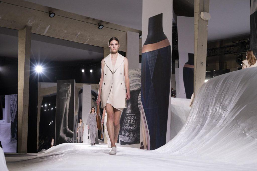 Desfile Hermes SS21 Paris Fashion Week